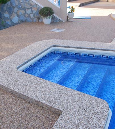 Suelo stone masters para piscina. Perfecto acabado.